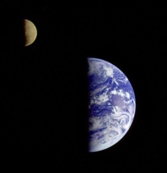 Earth_Moon_small